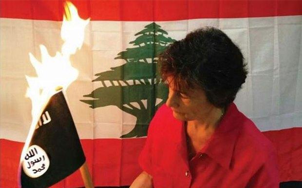 В Ливане запустили флешмоб по сжиганию флага исламских экстремистов. Изображение № 1.