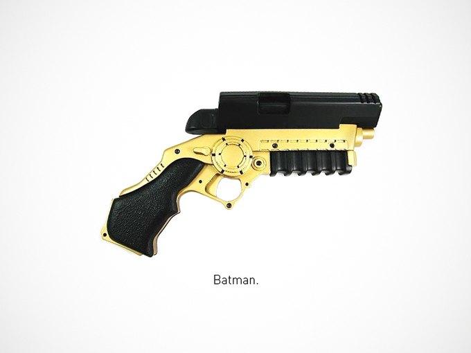 Итальянский дизайнер представил коллекцию плакатов знаменитого оружия. Изображение № 14.