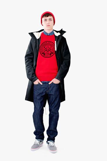 Марка Lacoste выпустила осеннюю коллекцию одежды линейки L!VE . Изображение № 7.