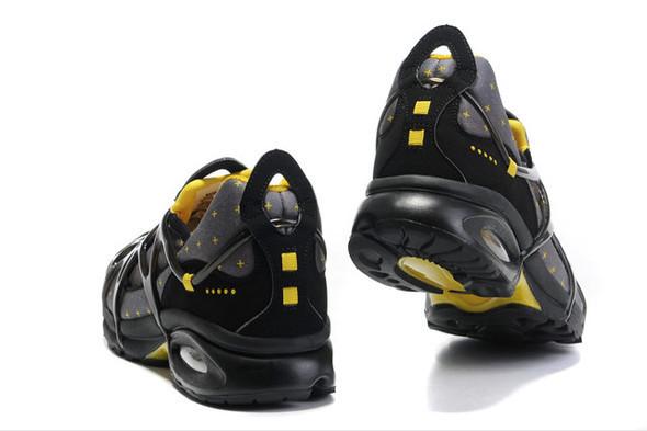 10 самых спорных моделей кроссовок 2011 года. Изображение № 42.
