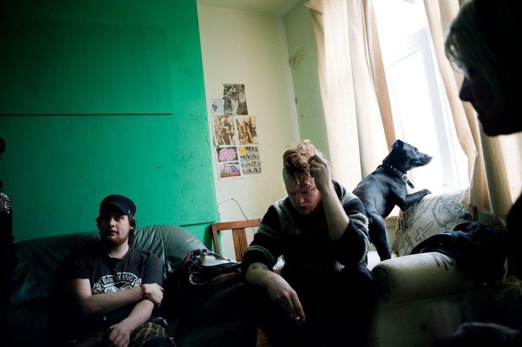 Как британские подростки создают панк-сообщества в заброшенных домах. Изображение № 11.
