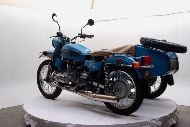 Российская марка «Урал» и бренд Pendleton собрали совместную модель мотоцикла. Изображение № 1.