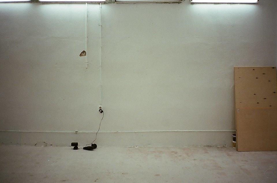 Фоторепортаж: Как мы сделали ремонт в мастерской силами редакции. Изображение № 44.