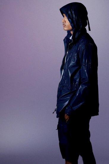 Марка Stone Island опубликовала лукбук весенней коллекции одежды своей линейки Shadow Project. Изображение № 13.