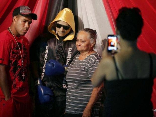 Пуэрториканскому боксёру поставили памятник, сделанный из его же трупа . Изображение № 2.