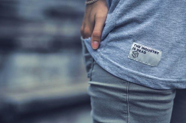 Марка одежды Fiction опубликовала лукбук новой коллекции. Изображение № 13.