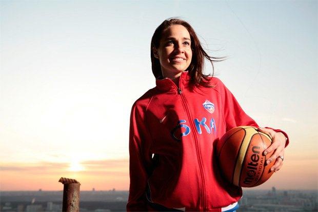 В НБА появилась первая девушка-тренер. Изображение № 1.