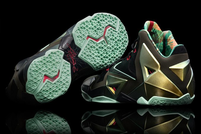 Баскетболист Леброн Джеймс представил новую именную модель кроссовок Nike LeBron 11. Изображение № 10.