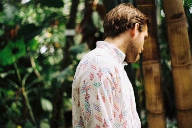 Марка A Kind of Guise выпустила лукбук новой коллекции рубашек. Изображение № 2.
