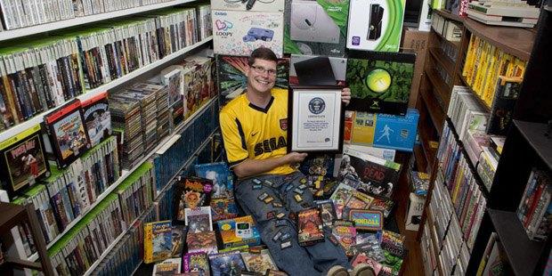 Самую большую коллекцию видеоигр продали за 750 тысяч долларов. Изображение № 1.