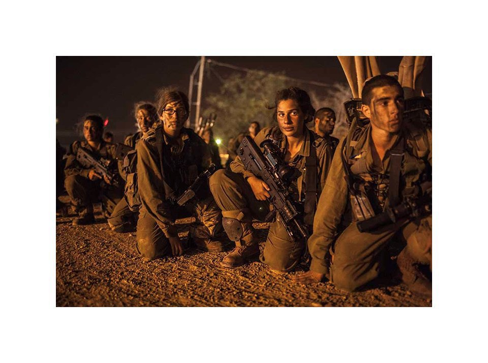 Фотопроект: Как служат женщины в армии Израиля. Изображение № 22.