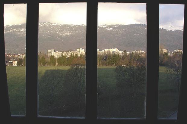 Вид из комнаты хостела в ЦЕРНе. Изображение № 10.