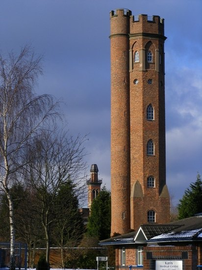 Строение, вдохновившее Толкина на книгу «Две башни», продали за 1 фунт. Изображение № 1.