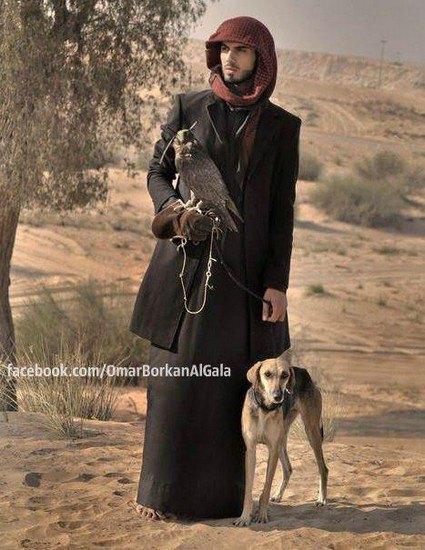 В сети появилось фото мужчины, которого выгнали из Саудовской Аравии за его красоту. Изображение № 5.