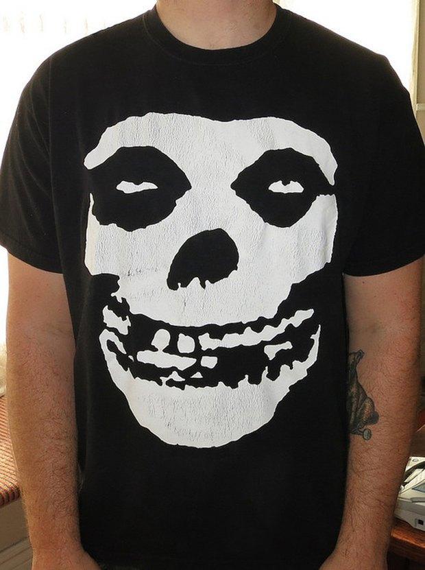 Minor Thread: Тысячедневный марафон футболок с логотипами музыкантов. Изображение № 17.