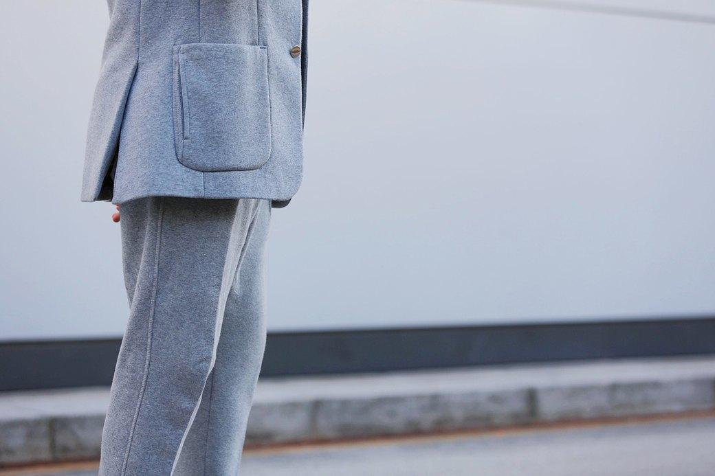 Флисовые брюки Nike превратили в деловой костюм. Изображение № 3.