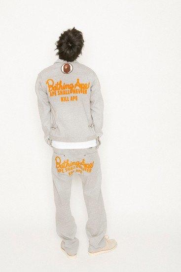 Марка A Bathing Ape опубликовала лукбук весенней коллекции одежды. Изображение № 19.