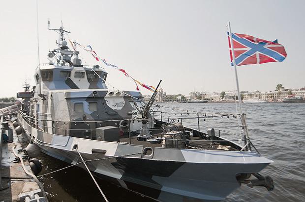 Детали: Моряки и корабли на Дне ВМФ в Санкт-Петербурге. Изображение № 17.