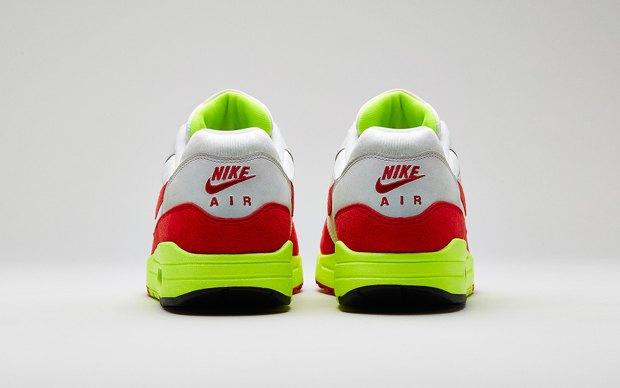 Nike выпустили новую модель сникеров в честь 27-летия кроссовок Air Max. Изображение № 2.