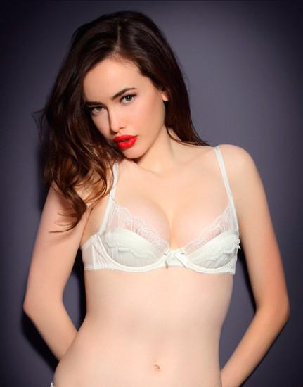 Австралийская модель Сара Стивенс снялась в рекламе Agent Provocateur . Изображение № 3.