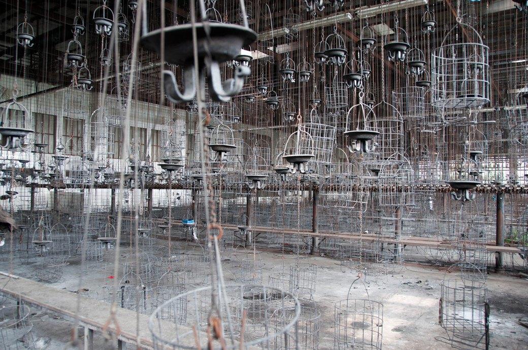Скрытые и заброшенные городские локации в работах фотографа Брэдли Гарретта. Изображение № 7.