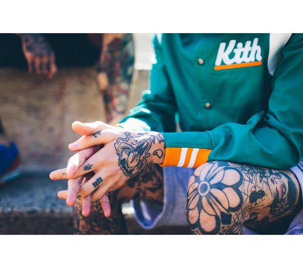 Дизайнер Ронни Фиг и интернет-магазин Kith представили совместную коллекцию одежды. Изображение № 19.