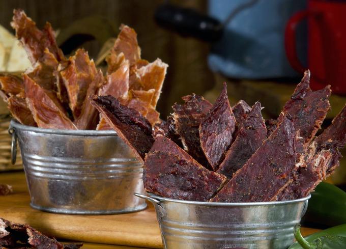Сухой закон: Путеводитель по джерки, знаменитой закуске из высушенного мяса. Изображение № 1.