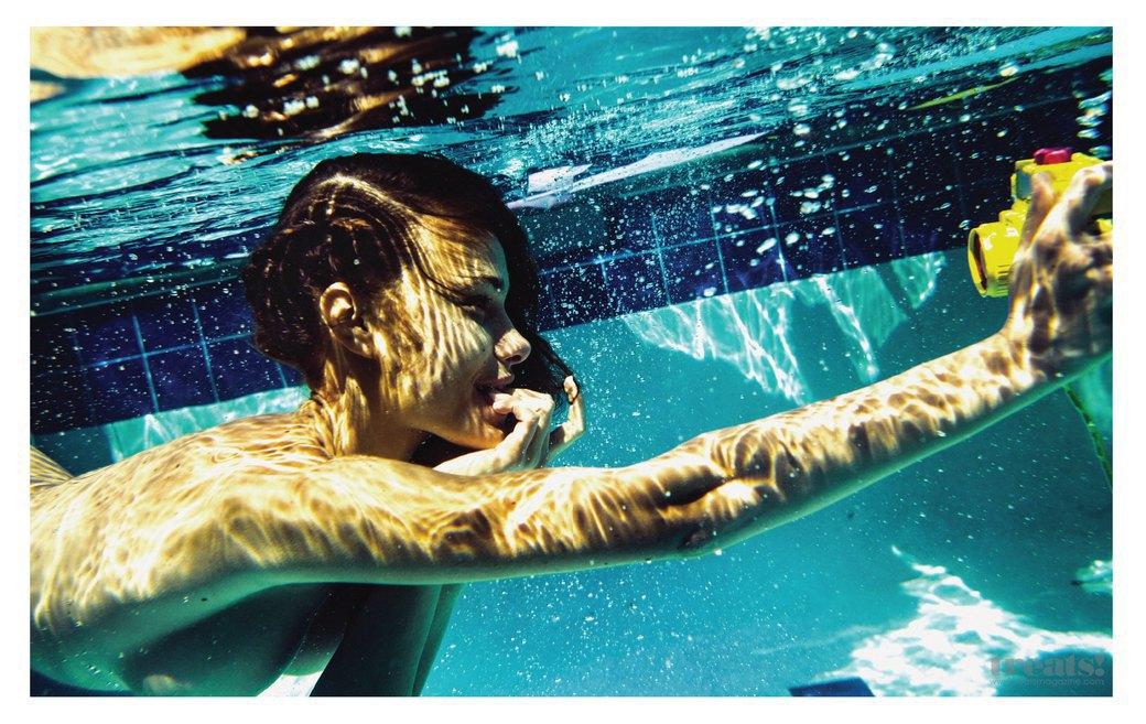 Леонардо Корредор сфотографировал украинскую модель Яру Хмидан для нового номера журнала Treats!. Изображение № 6.