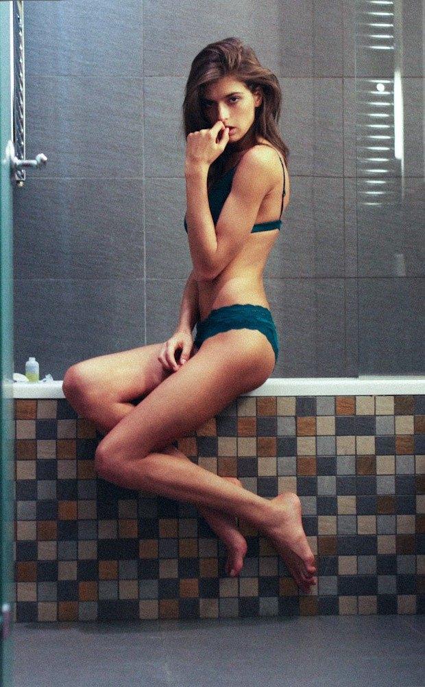 Российская модель Даша Малыгина снялась для журнала Purple. Изображение № 1.