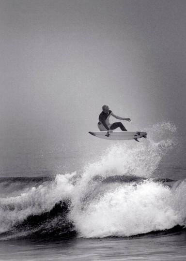 В Германии издали книгу «Surfers' Blood» —более ста фотографий, посвященных серфингу. Изображение № 5.
