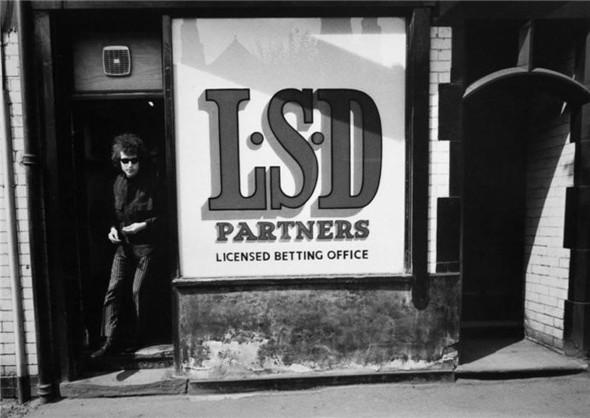 Умер известный фотограф Барри Файнштейн. Изображение № 3.