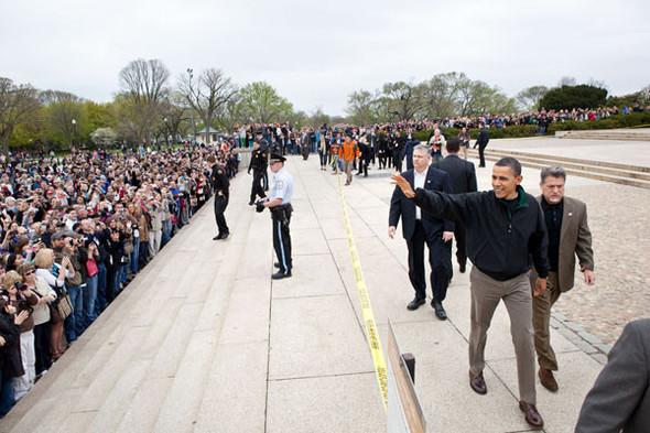 Наглядный пример: Барак Обама. Изображение № 42.