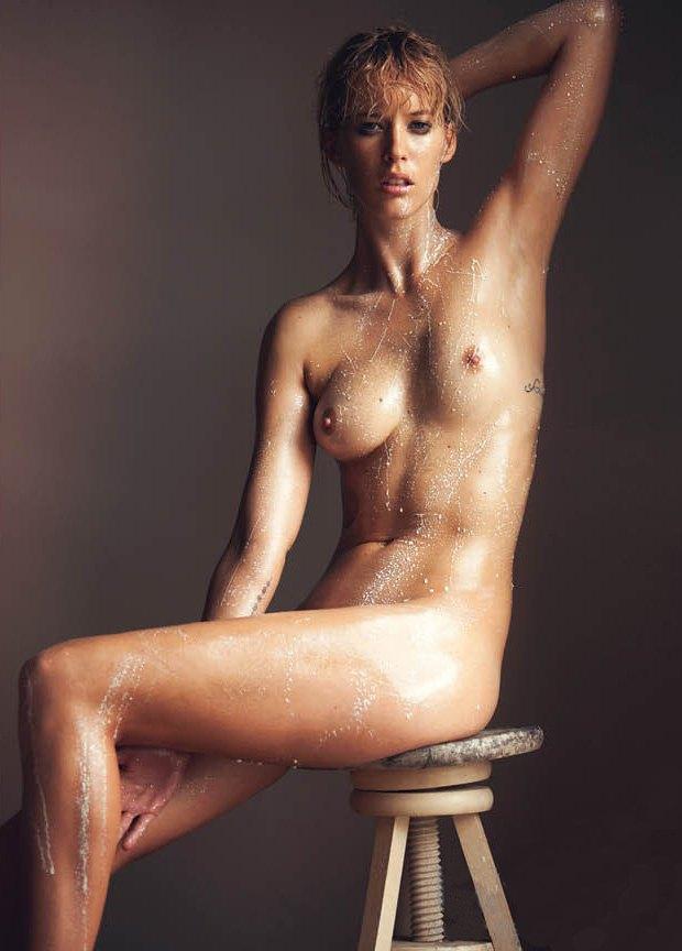 Фотограф Дэвид Беллемер опубликовал съемку для нового номера журнала Treats!. Изображение № 3.