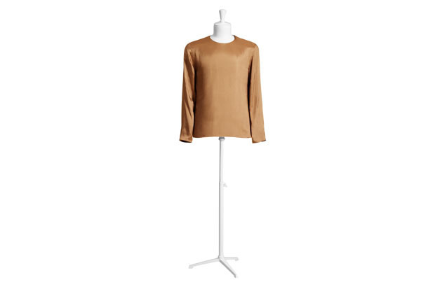 Марки H&M и Maison Martin Margiela представили совместную коллекцию одежды. Изображение № 9.