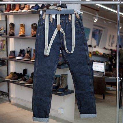 5 красивых продавщиц в магазинах одежды выбирают вещи для парня мечты. Изображение № 30.
