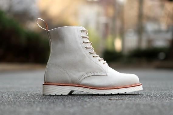 Марка Dr. Martens выпустила весеннюю коллекцию обуви. Изображение № 5.