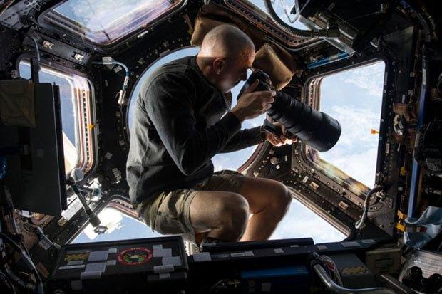 NASA опубликовало фотосессию, вдохновленную фильмом «Гравитация». Изображение № 3.