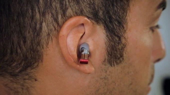 Началась кампания по сбору средств на беспроводной внутриушной плеер, управляемый зубами. Изображение № 1.
