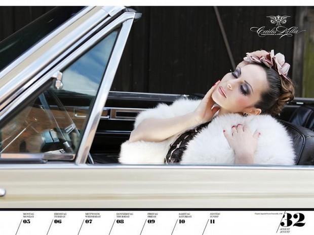 10 эротических календарей на 2013 год. Изображение № 87.