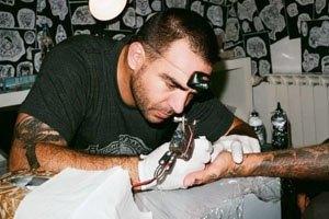 Как татуировки стали частью массовой культуры: Все статьи FURFUR о новых стилях и героях. Изображение № 7.