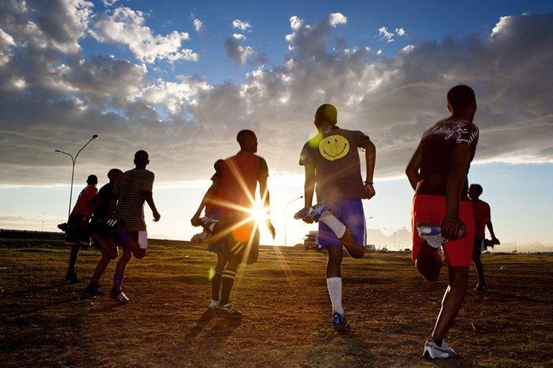 Как выглядит дворовый футбол на окраинах Кейптауна. Изображение № 1.