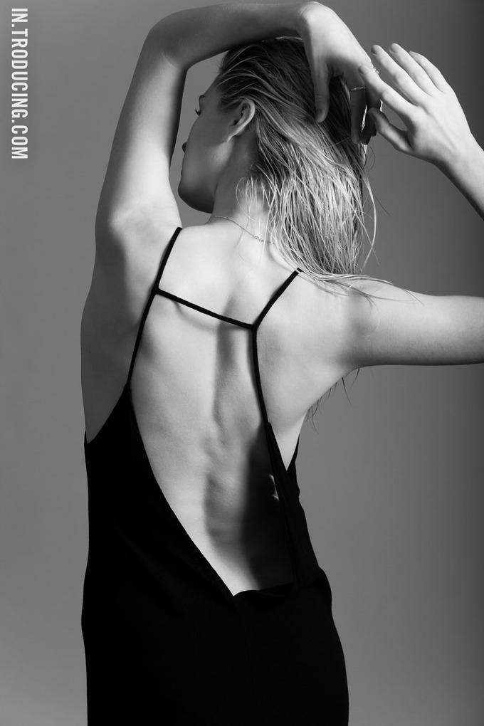 Норвежская модель София Лай снялась у фотографа Алекса Фрейда. Изображение № 3.