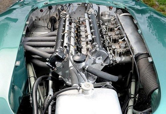 Победитель «Ле-Мана», спорткар Aston Martin DBR1 1957 года, выставлен на аукцион . Изображение № 11.