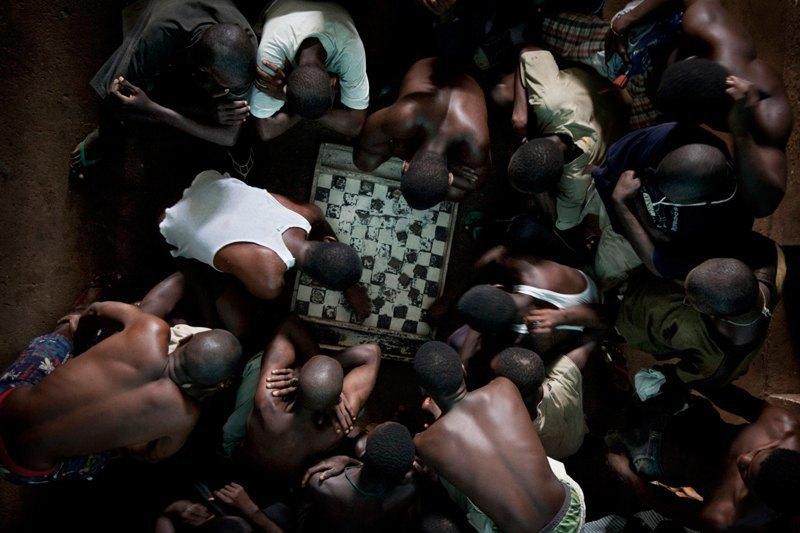 Как подростки Сьерра-Леоне годами живут в тюрьме в ожидании суда по их делу. Изображение № 4.