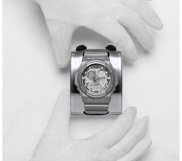 G-Shock и марка Maison Martin Margiela выпустили совместную модель часов. Изображение № 3.