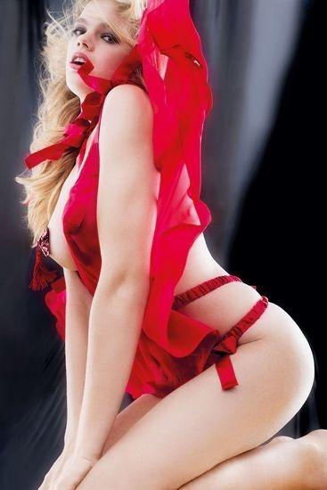 Голландская модель Валери Ван Дер Граф снялась в рекламе марки Agent Provocateur . Изображение № 3.