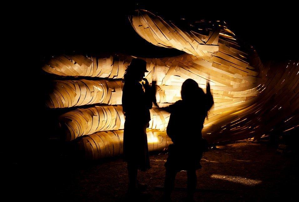 Как развлекаются посетители фестиваля Burning Man в африканской пустыне. Изображение № 6.