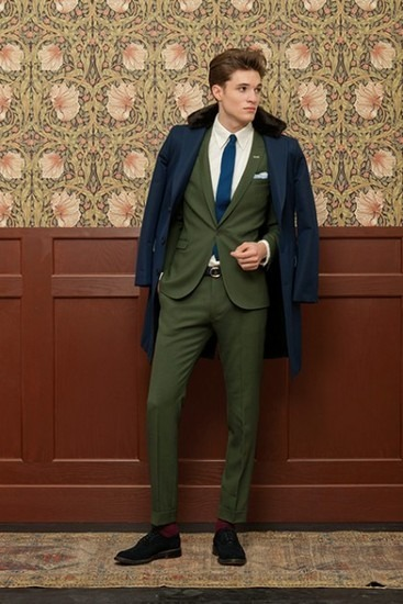 Марка Gant Rugger выпустила лукбук новой коллекции одежды своей линейки Holiday. Изображение № 2.
