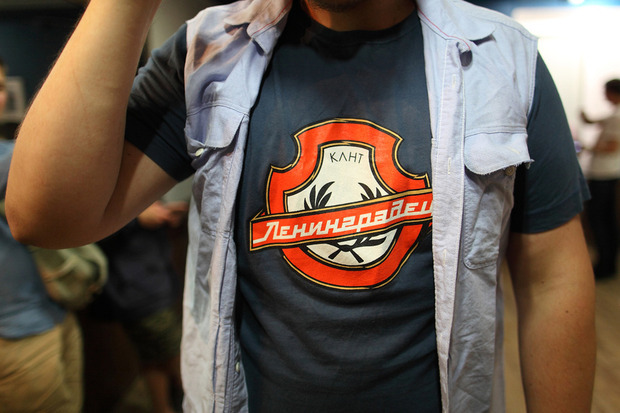 Детали: Репортаж с открытия барбершопа Headbusters. Изображение № 25.