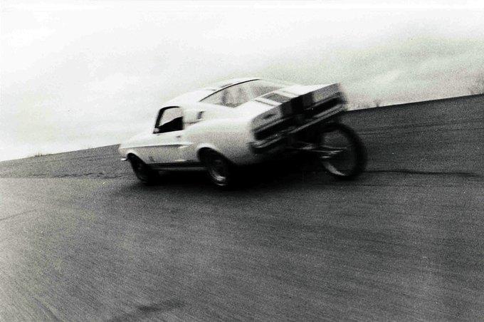 В США на аукционе продали самый дорогой Ford Mustang. Изображение № 32.